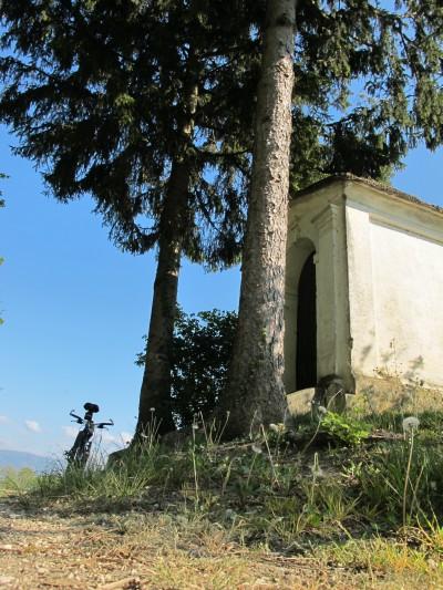 Il tempietto di San Giuseppe lungo Strada Cal Lunga ad Albina di Gaiarine.