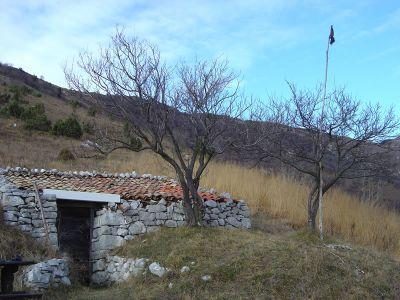 Il ricovero sopra Bardastae, dove ci siamo concessi la pausa pranzo.