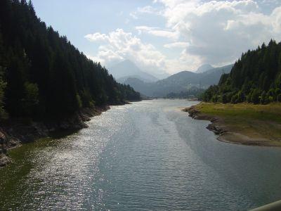 Lago di Centro Cadore, dal ponte di Domegge (m.750), verso Calalzo.