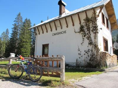 sulla ciclabile Cortina - Dobbiaco.