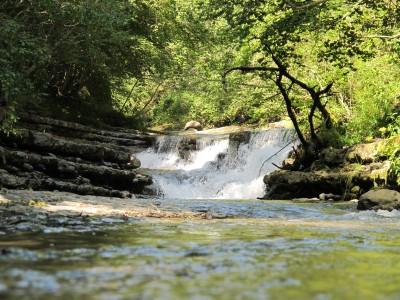 Le tipiche cascate a gradoni che caratterizzano il torrente Picchions.