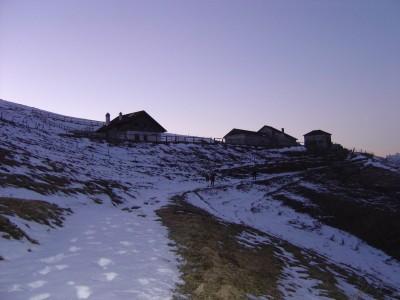 In vista di Malga Garda, siamo oramai al tramonto.