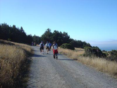Eccoci alla partenza. Ci accodiamo ai runners ed iniziamo gli 11 km nel parco.