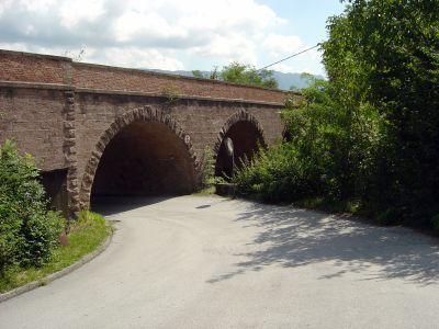 I tre archi visibili tra Cadola ed il lago di santa Croce. Da qui potrebbe partire una delle prossime escursioni esplorative.