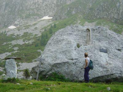 Sosta presso il Sasson della Madonna (Sassòn de Val de Piera).