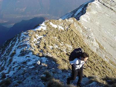 La cresta di collegamento vista dal lato di cima Serva.
