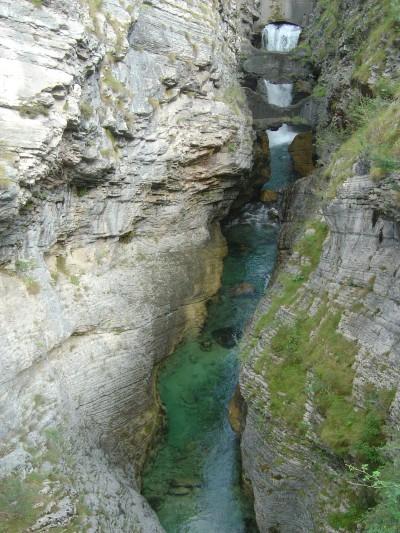 Il torrente Vajont, visto dal ponte sulla strada tra Dogna e Codissago.