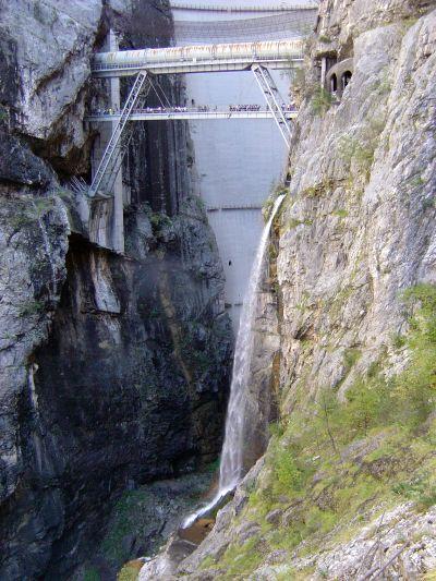 vajont-diga-ponte-tubo