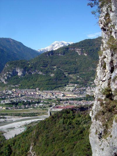 Longarone, fotografata dall'odierna strada che sale a Casso ed Erto.
