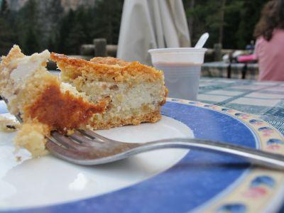 Eccoci all'atto conclusivo della giornata: dolce e caffè a malga Pian Pagnon. Meriterebbe una cena ma purtroppo per oggi abbiamo in programma di rientrare, sarà per la prossima!