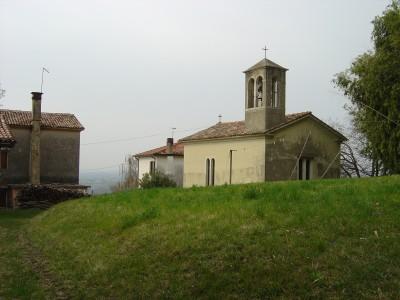 Villa di Villa: la chiesetta della Madonna delle Grazie.